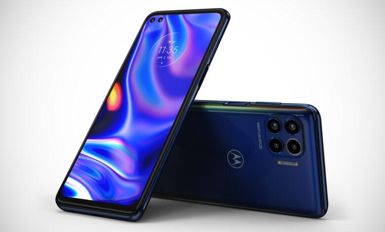 motorola's-latest-mid-range-phone-is-a-sub-$500-stunner-with-5g